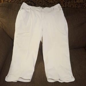 Cherokee cropped pants